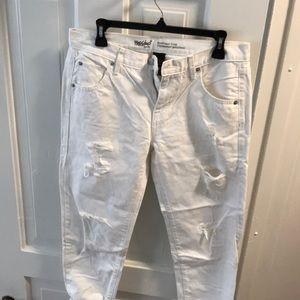 White, boyfriend jeans